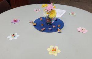 春っぽいテーブルの飾りつけ