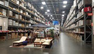 倉庫は広くて圧倒されます!!