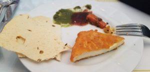 薄いカリカリ(?)とパニール料理